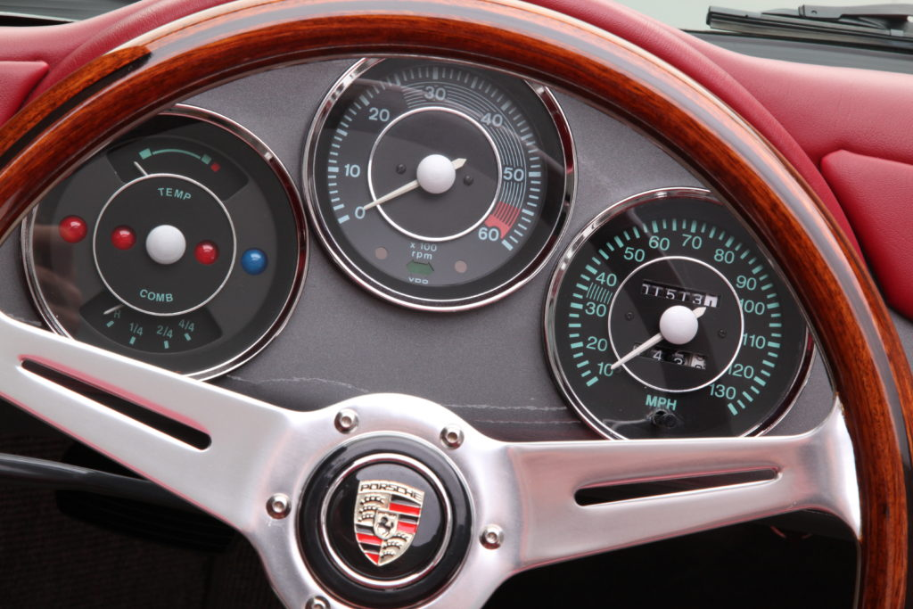 Speedster Gauge Detail